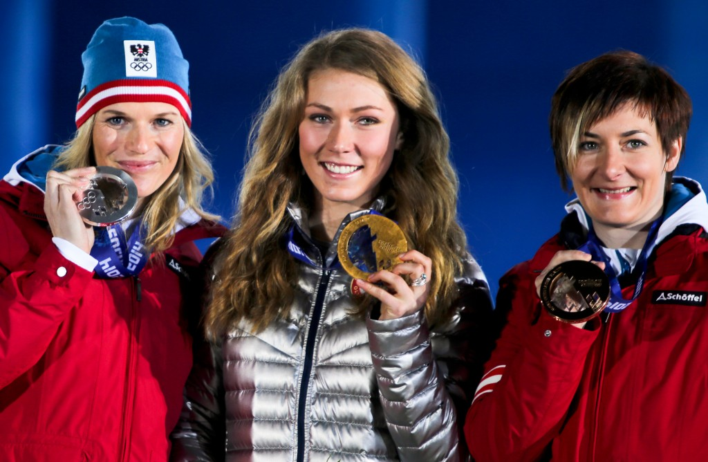 Mikaela Shiffrin and her slalom gold medal (GEPA/Andreas Pranter)