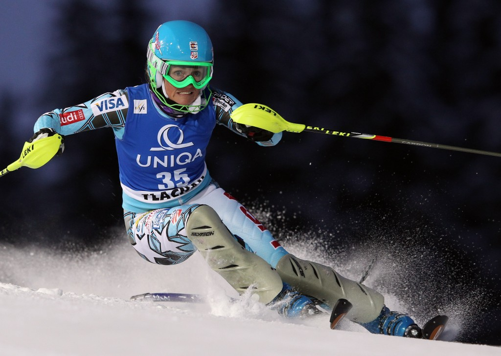 Sarah Schleper de Gaxiola racing in the 2011 Flachau World Cup for the U.S. Ski Team. GEPA/Christian Walgram