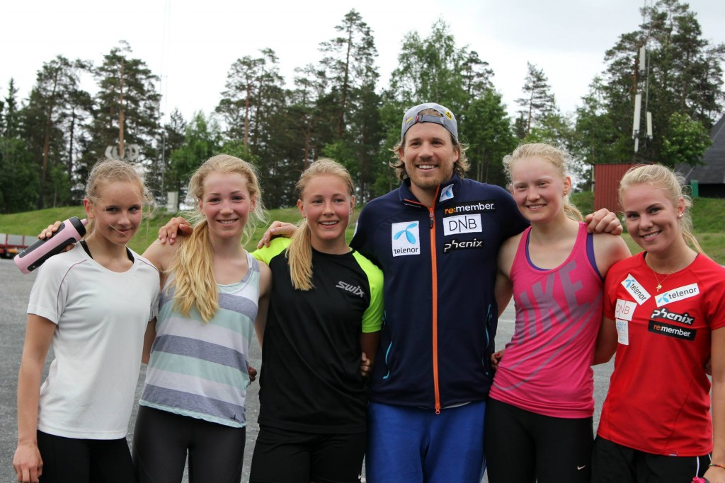 Kjetil Jansrud with Lillehammer 2016 YOG hopefuls.