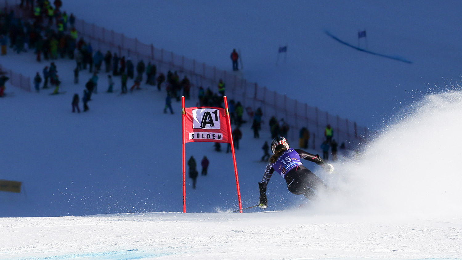 Shiffrin charges onto the pitch on the Rettenbach Glacier. GEPA