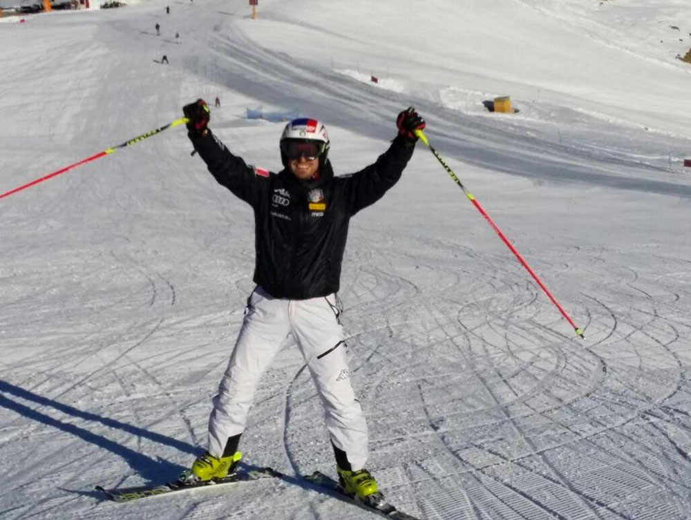 On Nov. 3, Manfred Moelgg tweeted out this photo of his return to skiing two and a half months after tearing his Achilles.