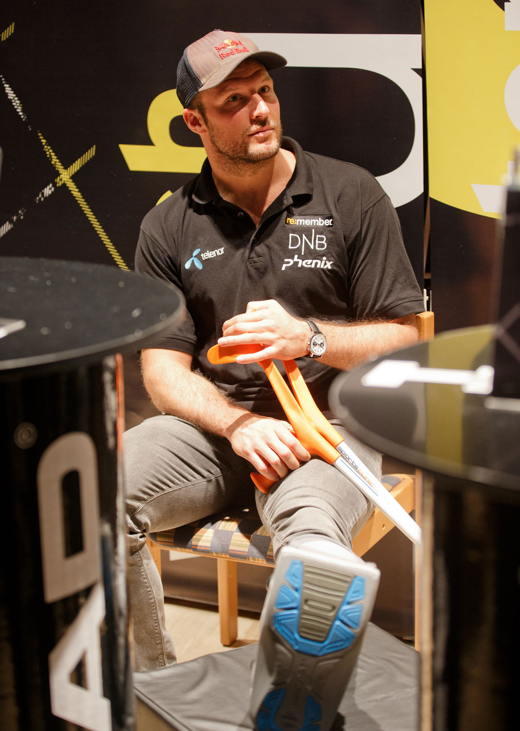 Aksel Lund Svindal elevates his torn Achilles tendon at a media event in October.