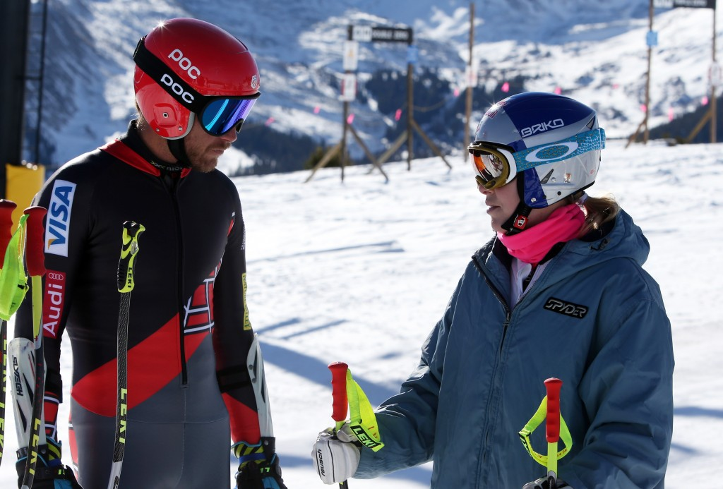 Bode Miller and Lindsey Vonn consult during training in Soelden. GEPA/Andreas Pranter